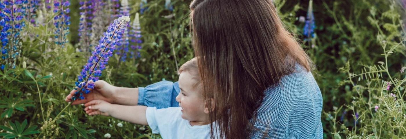 Aromathérapie efficace et sécuritaire pour femmes enceintes, mamans et bébés